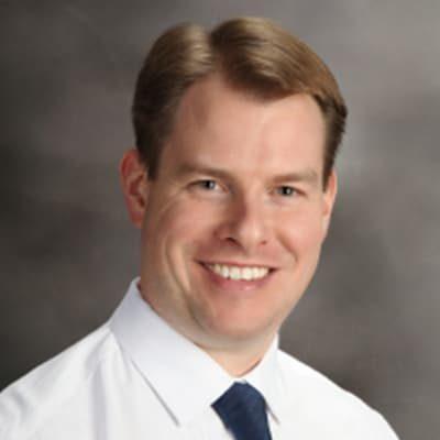 Chiropractor Painesville OH Scott Gill